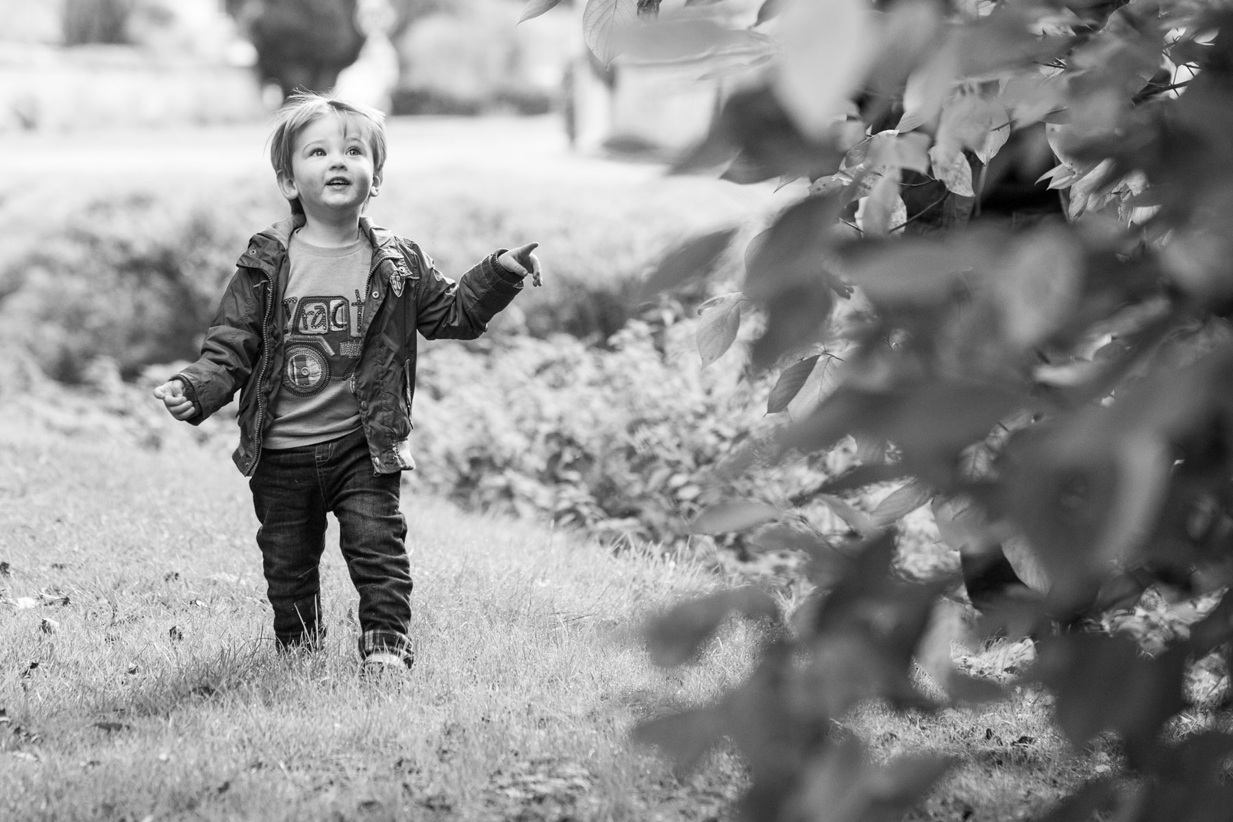 Beautiful natural family photography in London by Richard Murgatroyd family photography