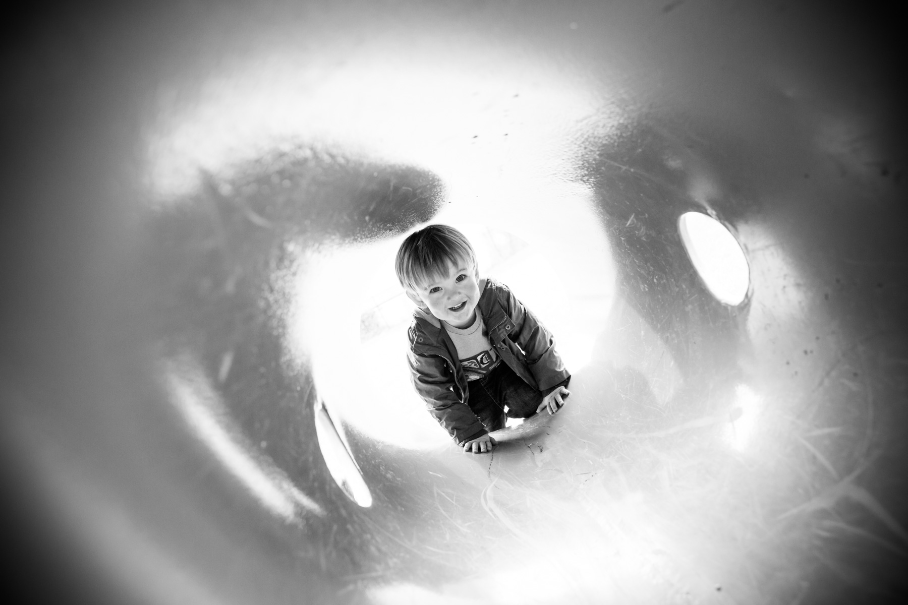 Fun family photographer in Wiltshire