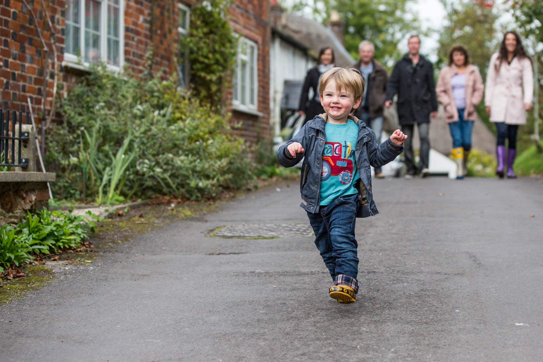 Fun family photography in Wiltshire by Richard Murgatroyd