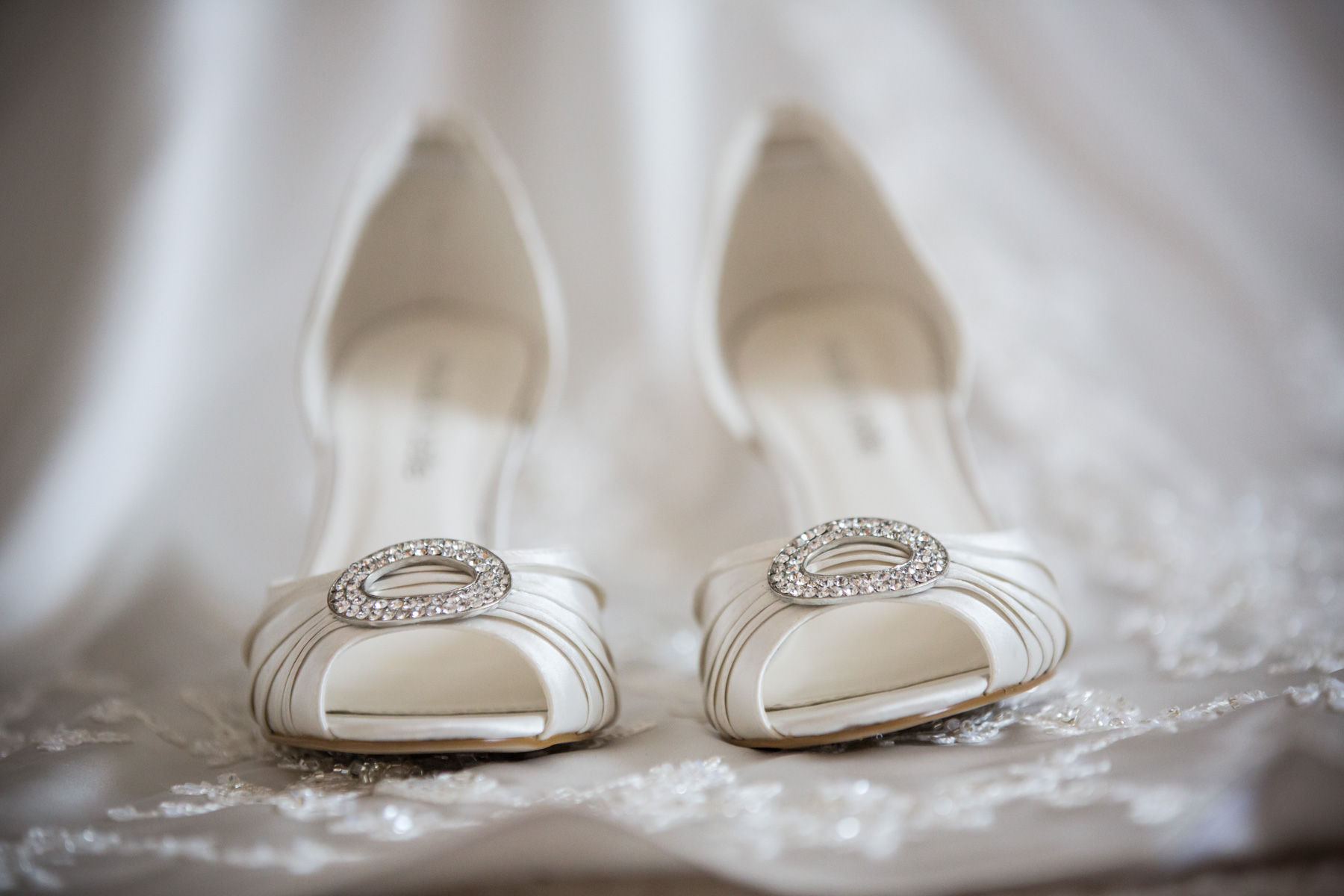 Sussex Wedding Photography at Buxted Park Hotel by Richard Murgatroyd Photography
