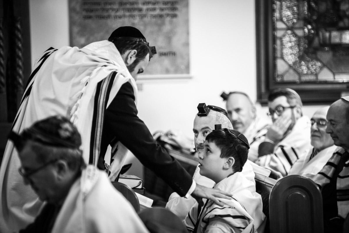 Woodside Park Synagogue London Bar Mitzvah Photography - Sam Redland